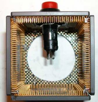 Будильник из процессоров в фото
