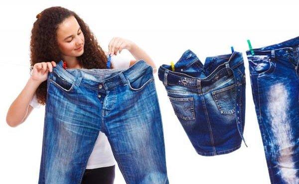 Что делать, если джинсы красятся или линяют в фото