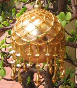 Декор елочной игрушки своими руками из бисера в фото