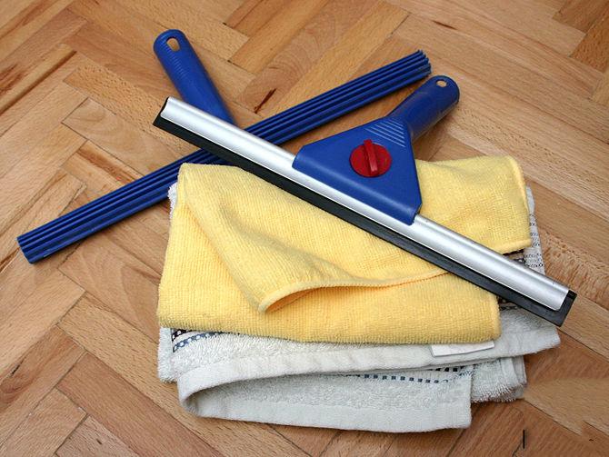 Как быстро и правильно помыть окна без разводов? в фото