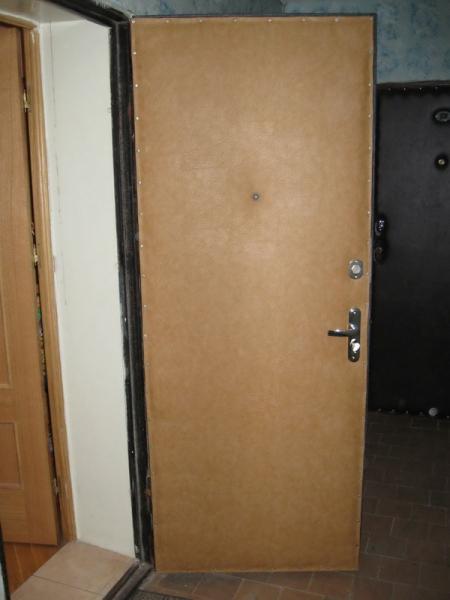 Как произвести отделку дверей панелями МДФ своими руками в фото