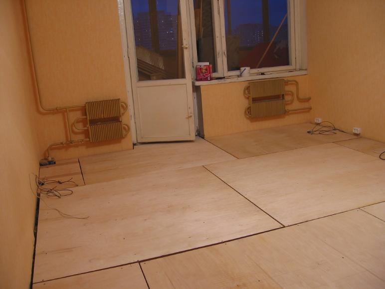 Как сделать полы из фанеры в деревянном доме в фото
