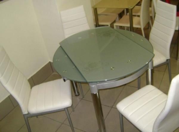 Как выбрать кухонный раздвижной стеклянный стол? в фото