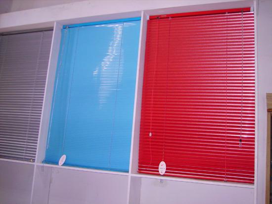 Какие бывают цвета жалюзи на окна в фото