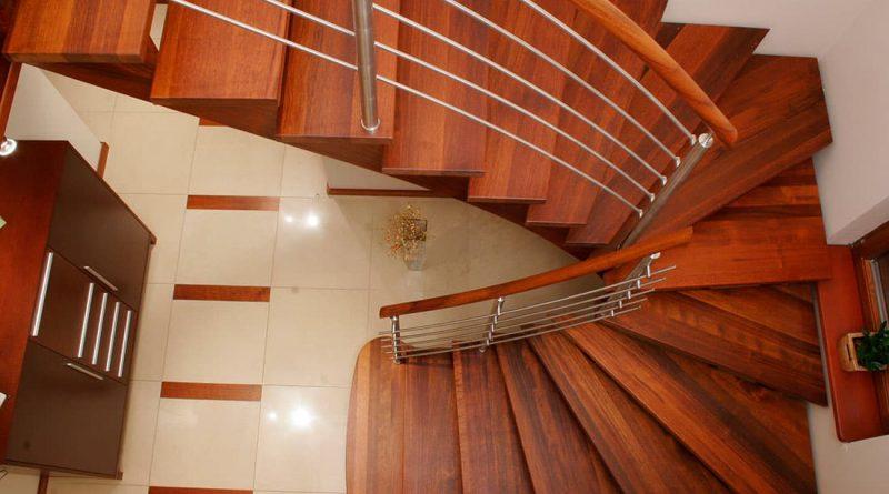 Лестница с поворотом на 180 гра усов: виды конструкций, их особенности и расчет параметров в фото