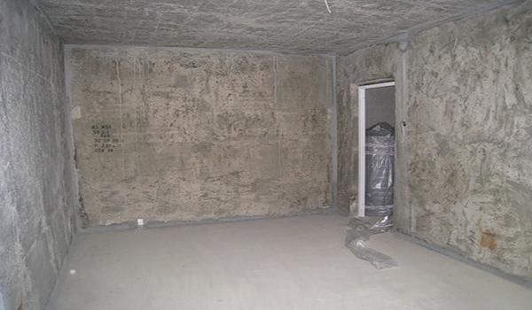 Нужна ли грунтовка стен перед шпаклевкой и какой раствор выбрать? в фото