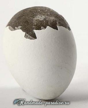 Пасхальные яйца из цемента и полимерной глины в фото