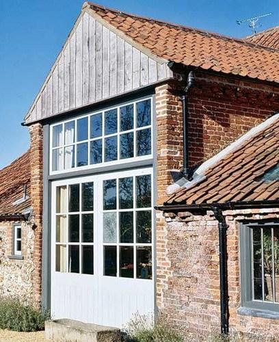Реконструкция старого дома в Англии в фото