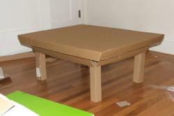Столик из картона своими руками: столешница, ножки, отделка в фото