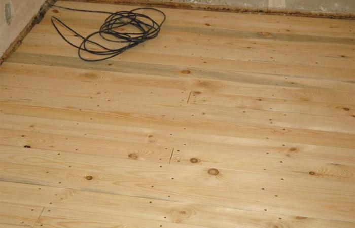Выбор подложки под линолеум на деревянный пол в фото