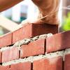 В чем преимущества полнотелого строительного кирпича