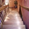 Как закрепить балясины к лестнице