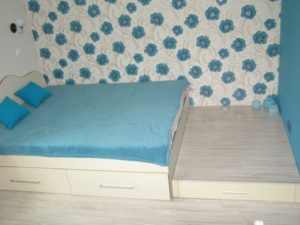Бірюзова спальня молодят