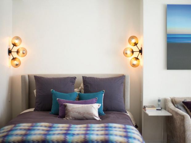 dp_design-development-midcentury-modern-bedroom-lighting-sconces_h-jpg-rend-hgtvcom-1280-960
