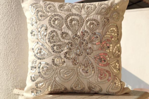 modern-toss-pillows