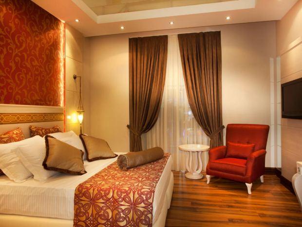 istock-15841410_rich-luxurious-bedroom_s4x3-jpg-rend-hgtvcom-1280-960