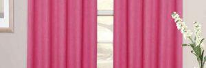 Шторы розового цвета в интерьере в фото