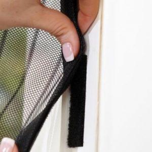 Функциональность и практичность дверных москитных сеток на магнитах