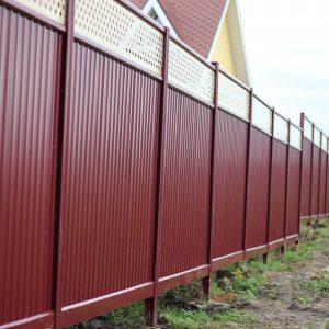 Забор из профнастила: достоинства