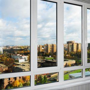Основные плюсы остекления балконов и лоджий пластиковыми окнами