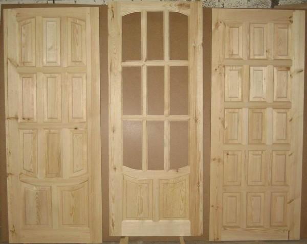 dveri iz massiva sosny