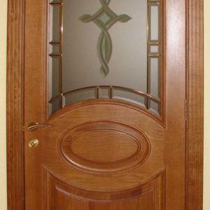Стоит ли покупать двери из массива дерева