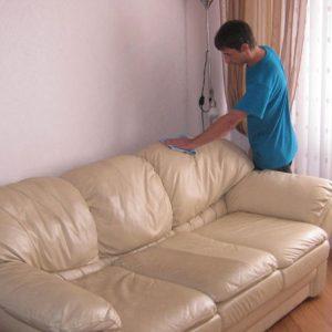 Как чистить кожаную мебель