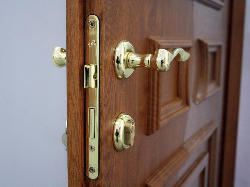 kak vybrat dvernoj zamok