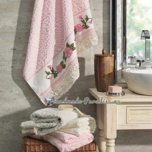 Ковровая вышивка для украшения полотенца в фото