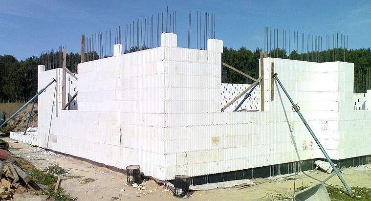 Свойства пенопласта и его применение в строительстве