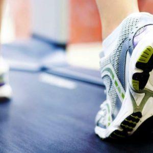 Что сделать, чтобы кроссовки не скользили в зале?