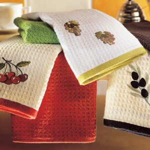 Наборы кухонных полотенец – всегда востребованы