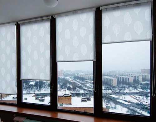 kak-krepit-rulonnye-shtory-na-plastikovye-okna.6