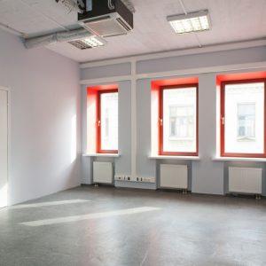 Почему все больше бизнесменов предпочитают арендовать помещения?